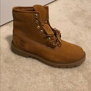Brand new Timberland Basic 6 inch boot size 9